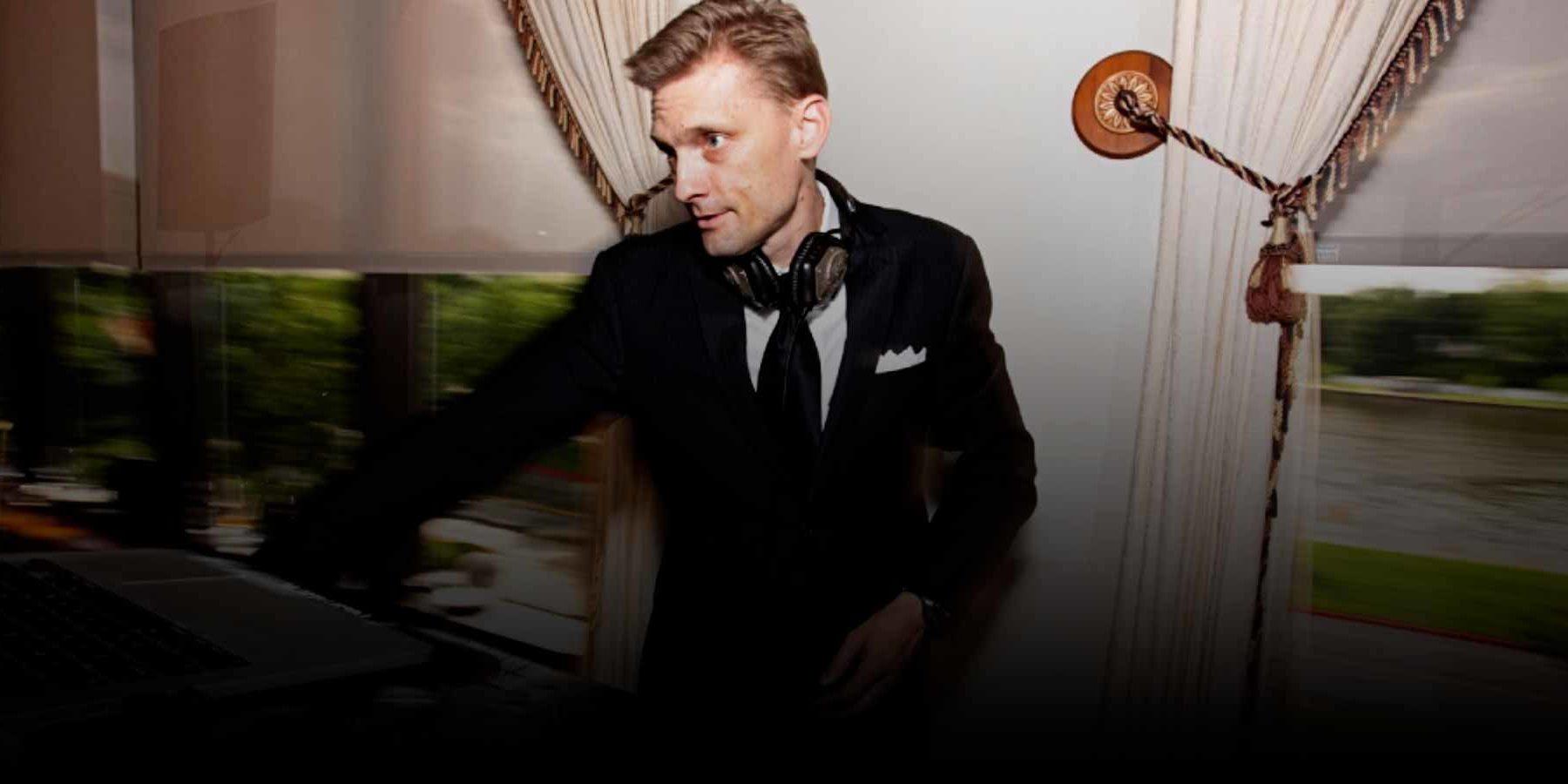 DJ Ivan-Promo-Photo